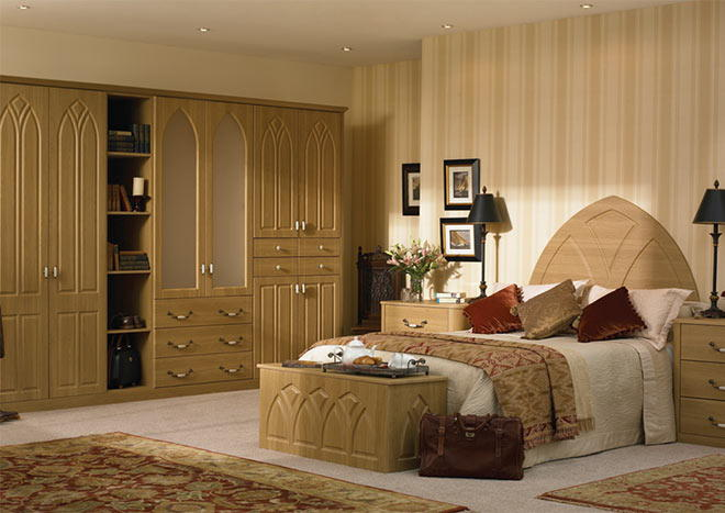 Gothic Lissa Oak Bedroom Doors