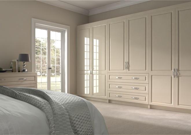 Fontwell High Gloss White Kitchen Doors: Fontwell High Gloss Cream Bedroom Doors