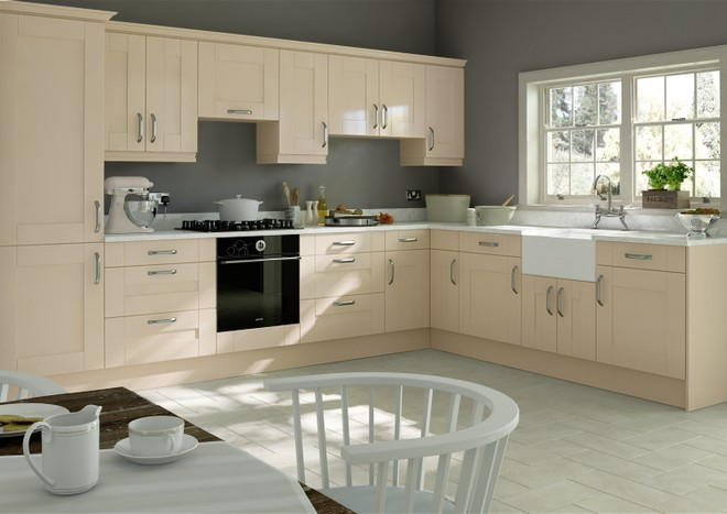 Arlington Magnolia Kitchen Doors From £4.71 Made to Measure.