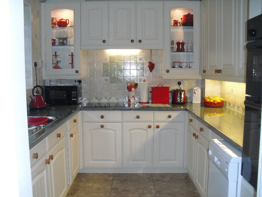 Kitchen Doors - Westbury Satin White (1)