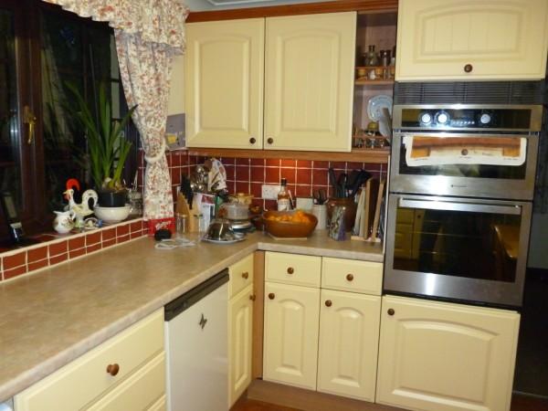 westbury vanilla kitchen doors 1