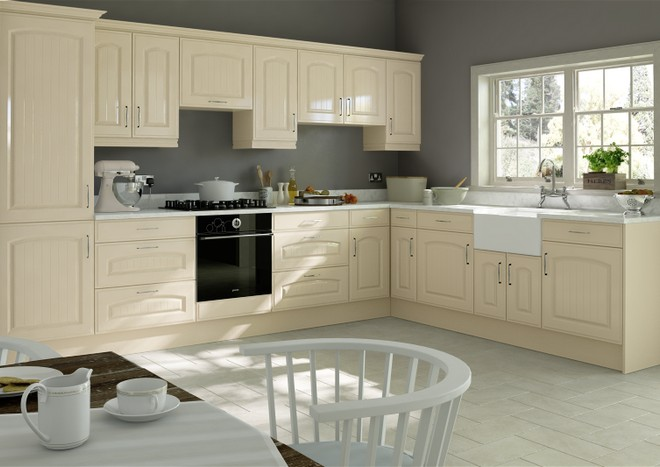 A classic kitchen with traditional cream cabinet doors